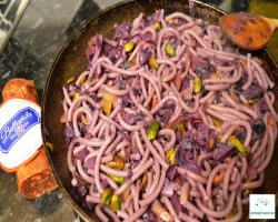 Red cabbage and pistachios pasta recipe