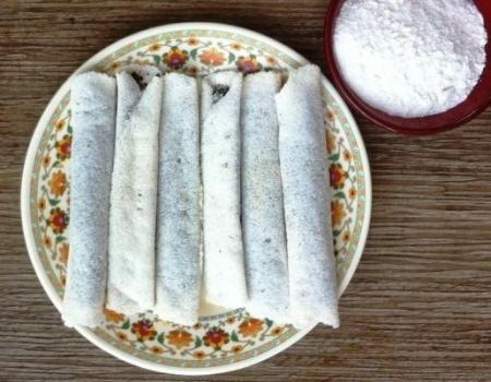 Rice Flour & Sesame Crepe Rolls Dessert Recipe
